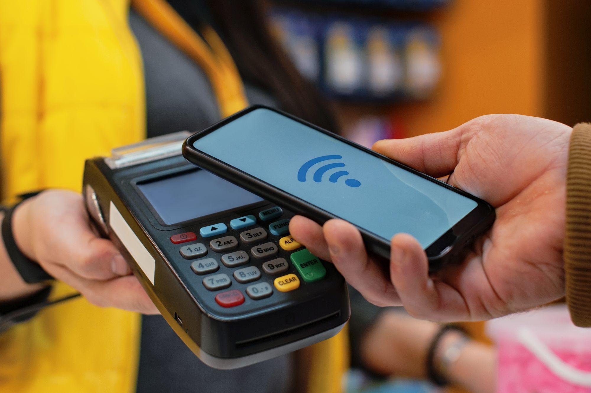 NFC technológiás fizetés bankterminálon