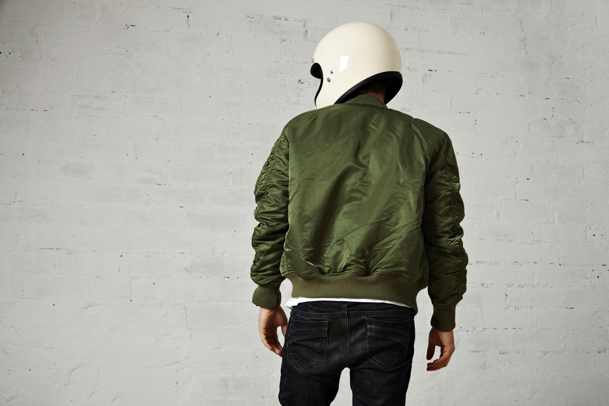 Az utcai motoros kabátok kevésbé jól védenek