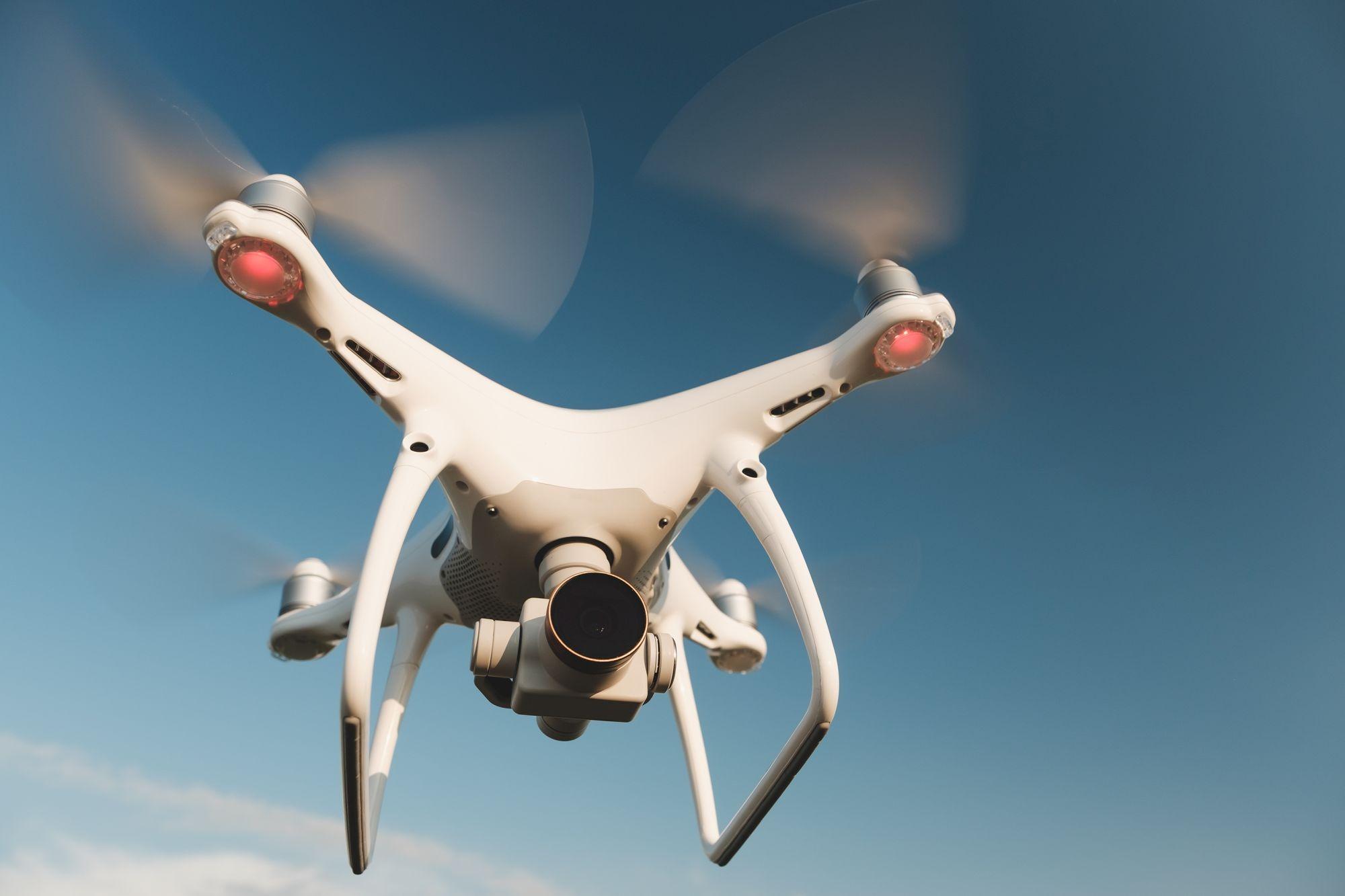 Drón repülés közben