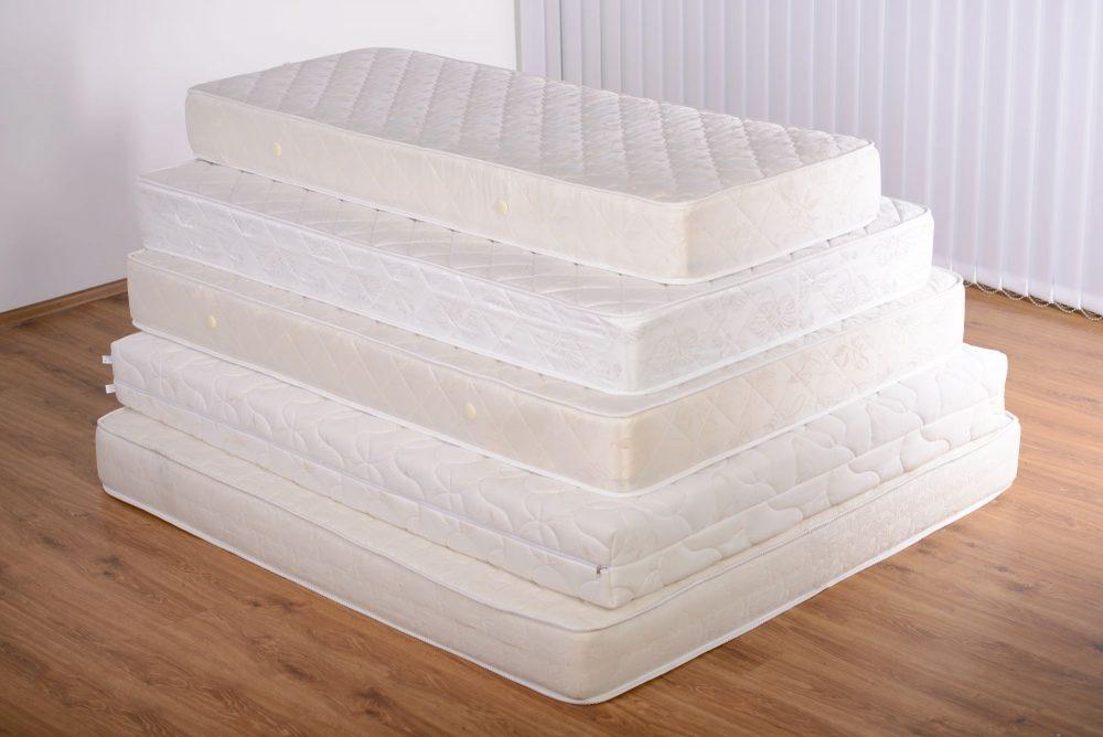 Különböző méretű matracok