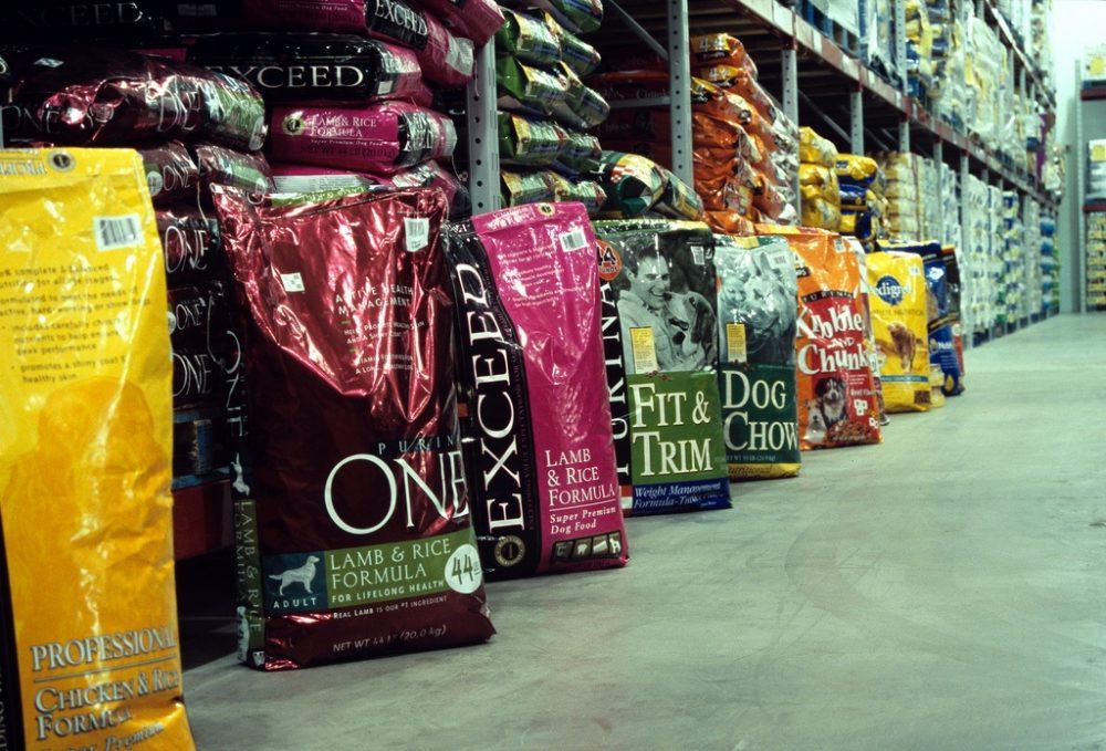 Különböző kutyatáp márkák