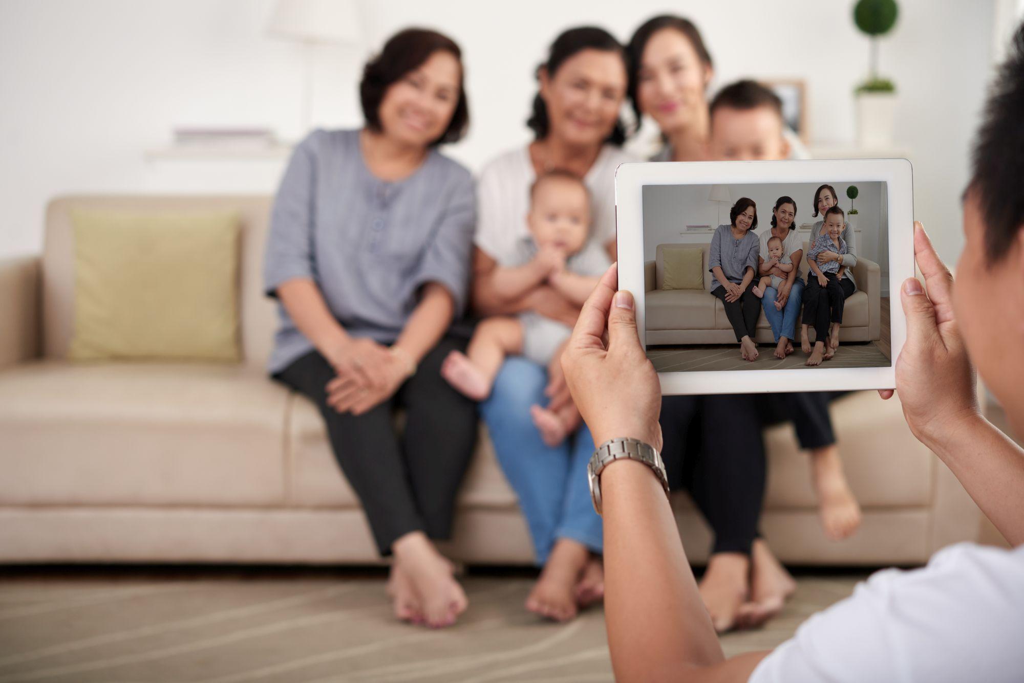Tablettel készült családi kép